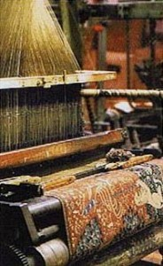 Tapestry weaving loom