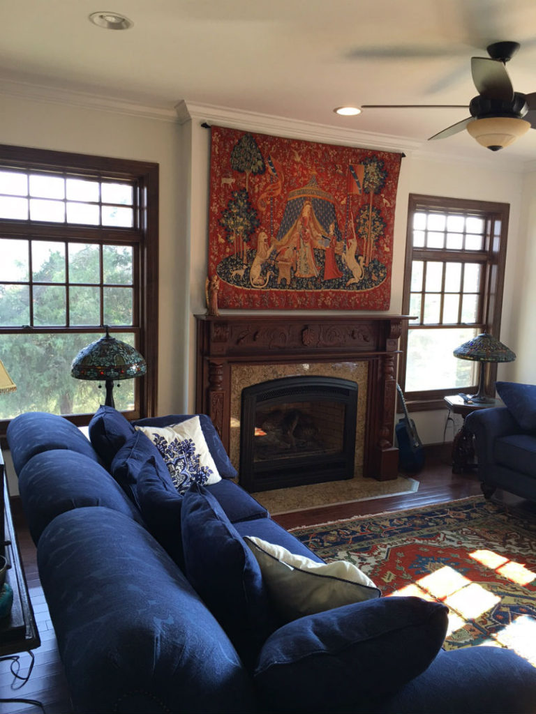 A Mon Seul Desir tapestry in a living room